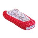 Baba fészek: piros alapon fehér horgonyos, Balti tenger, elfordított - Kézzel készített baba-mama kiegészítők, ajándékok - Baby Chameleon