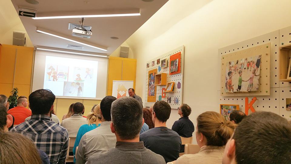 babapapa Apa Akadémia előadás - Kézzel készített baba-mama kiegészítők, ajándékok - Baby Chameleon