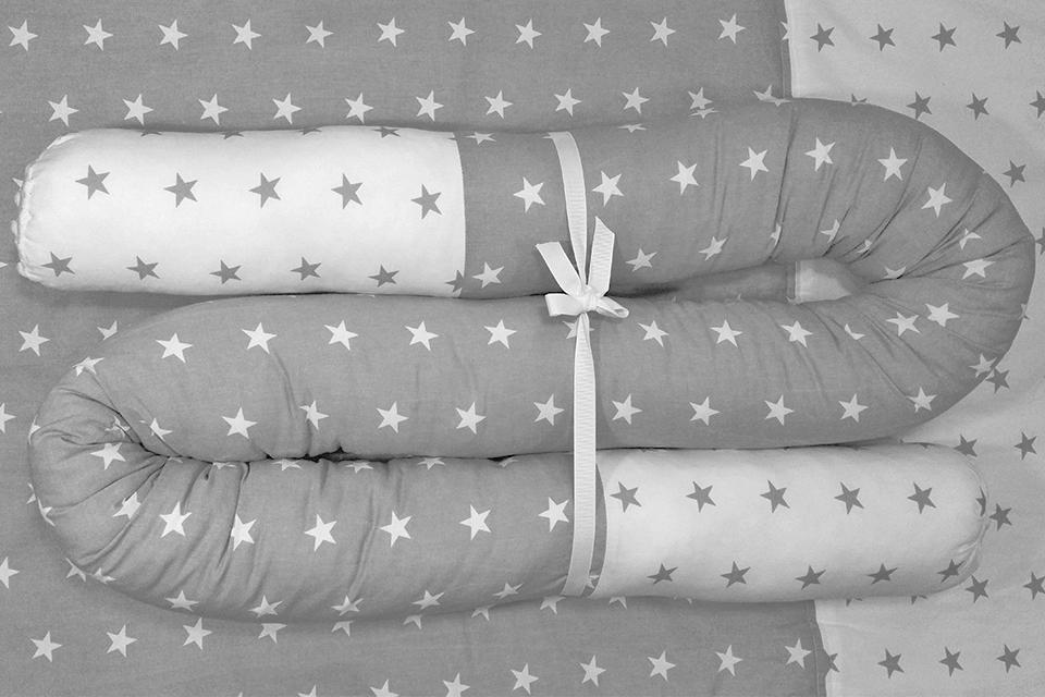 Kukac hengerpárna szürke fehér csillagos patchwork - Kézzel készített baba-mama  kiegészítők a6eb6e0591