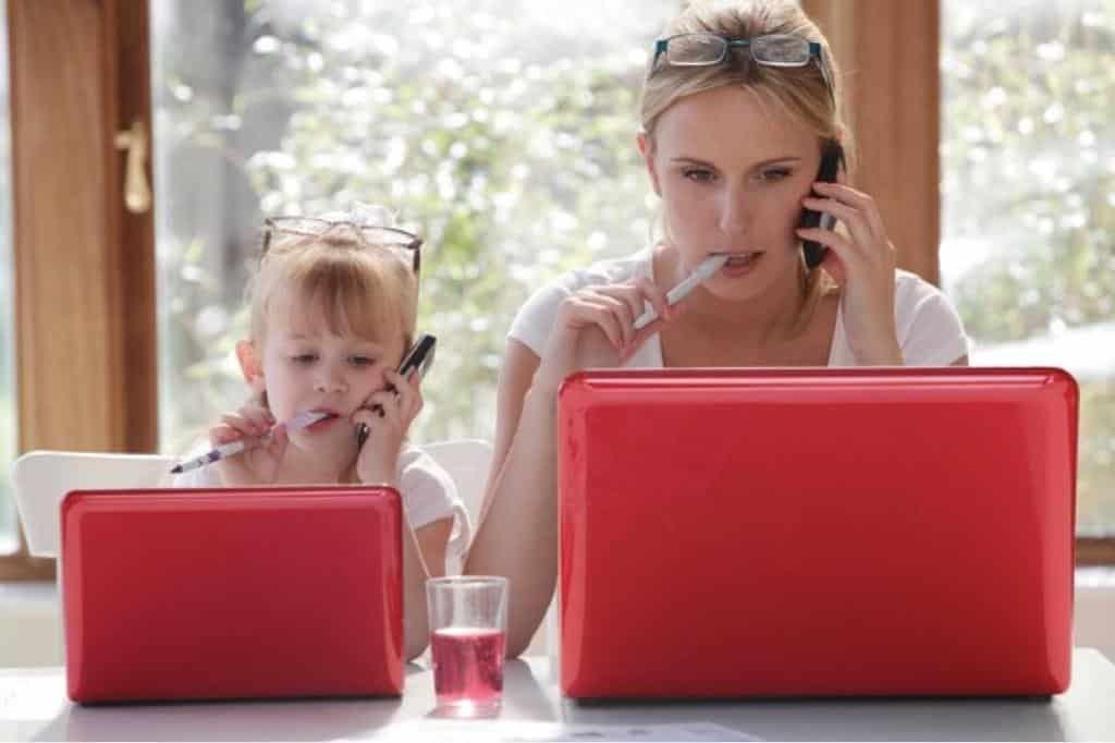 Vállalkozó anyák ceho piros laptop - Kézzel készített baba-mama kiegészítők, ajándékok - Baby Chameleon